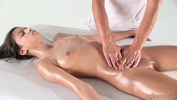 Homem comendo mulher boa na marca de massagem