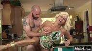 Xvideos pornograficos novinho enfia dedo na xota da empregada e chupa seios
