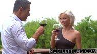 Branquinha safada gostosa dando para melhor amigo do seu marido