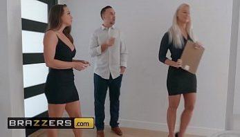 Gostosa anal fazendo sexo gostoso levando dedadas no cu